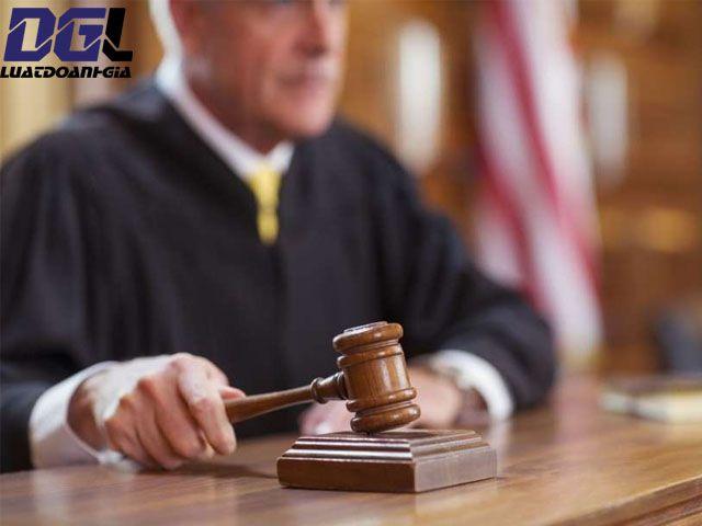 Những lưu ý khi luật sư bào chữa - Luật Doanh Gia